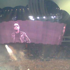 Bono auf der Leinwand